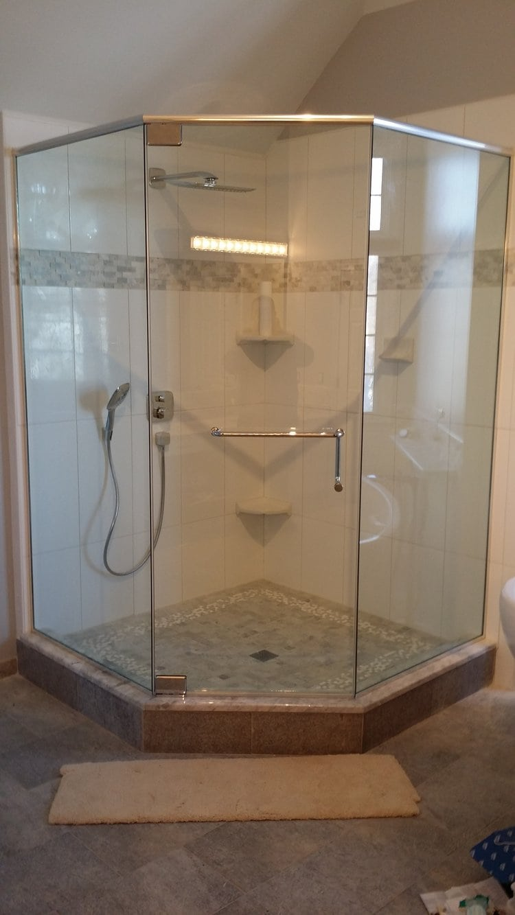 IMAGO Glass Shower Doors Installation Chicago - Custom Shower Enclosures
